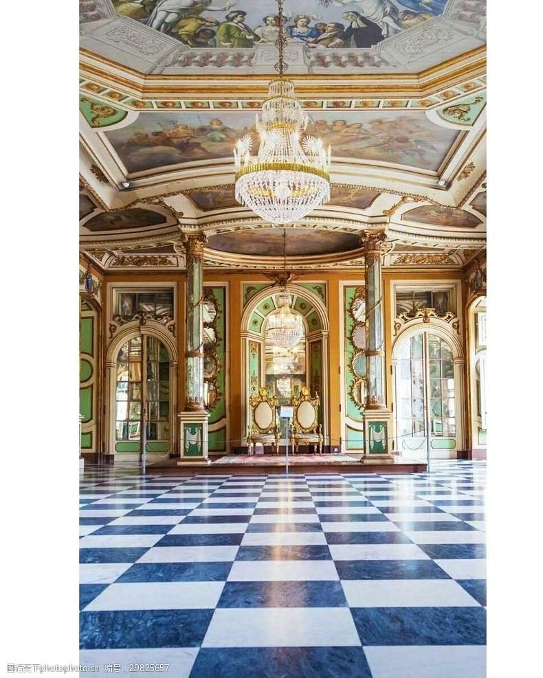 豪華寬敞的大廳
