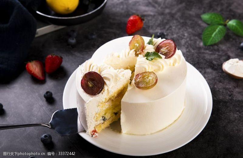 下午茶水果奶油蛋糕