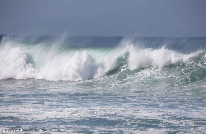 洶涌的海浪壯麗唯美風光
