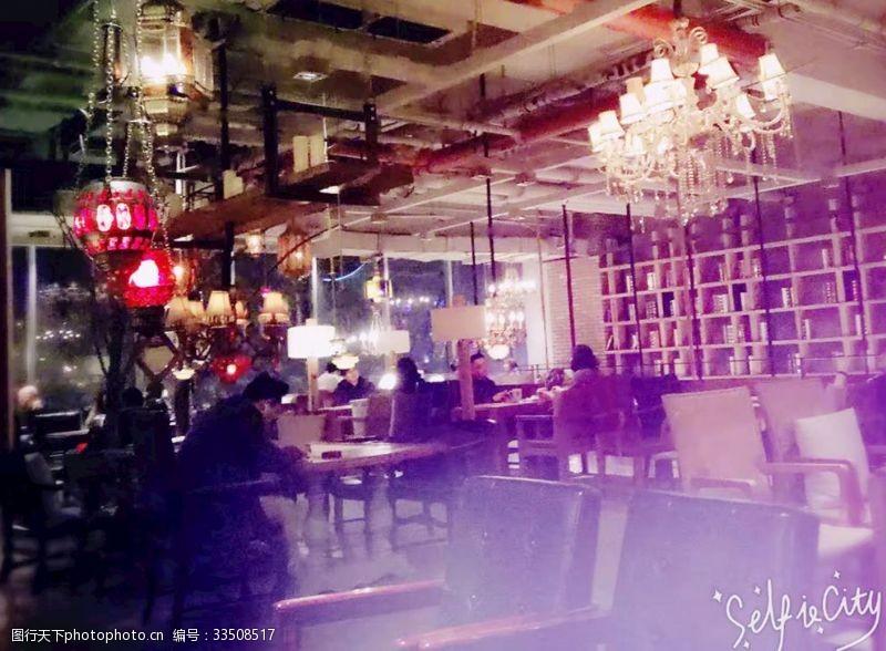 酒吧室內風光