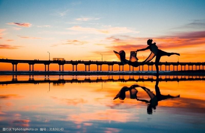 青春美女舞蹈