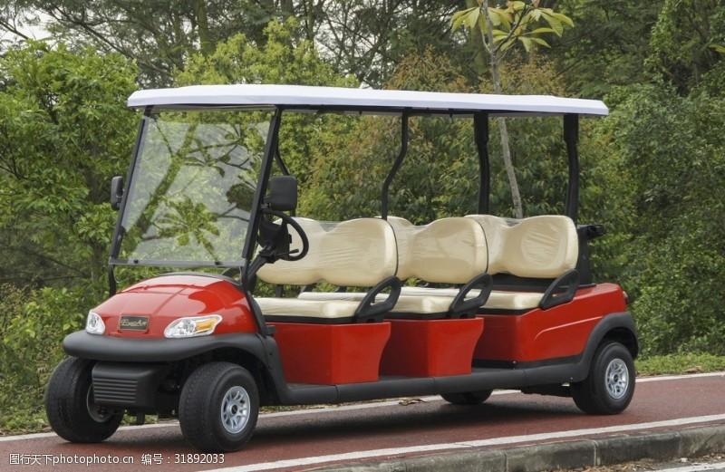 6座高尔夫球车