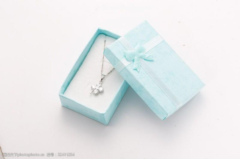 银白时尚韩式项链摄影图3
